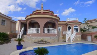 THE PENSION REFORM IN ENGLAND PUSHES UP THE SALE OF HOUSES IN THE COSTA BLANCA.